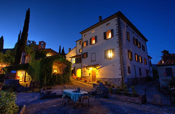 Palazzo del '500 in Piccolo Borgo Toscano - Taragnano